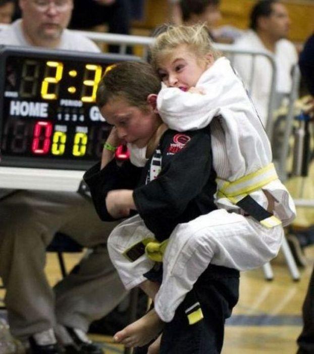 Подборка смешных спортивных моментов (50 фото)