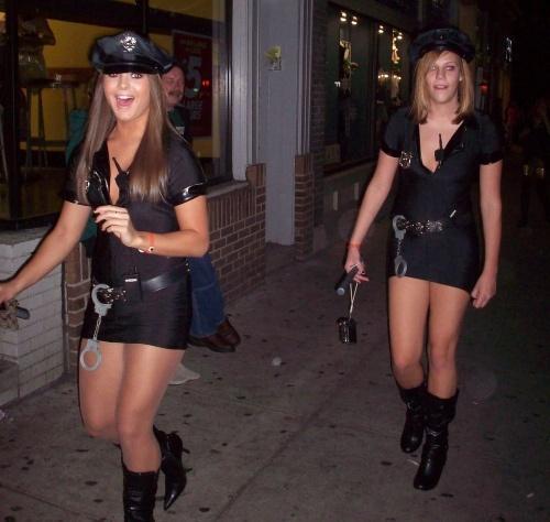 Сексуальные костюмы девушек на Хэллоуин (100 фото)